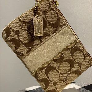 🐎Coach Signature Stripe Canvas Wristlet🐎